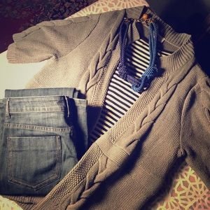 LOFT GREY sweater. Open front, short sleeve. Sz. L